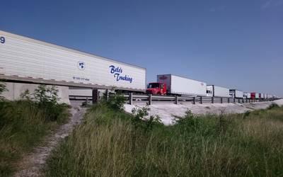 Persiste caos vial en puentes internacionales en Reynosa