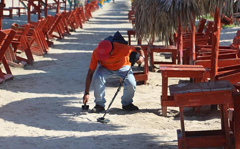 Buscadores De Tesoros Recorren Playa Miramar Noticias Locales Policiacas Sobre México Y El Mundo El Sol De Tampico Tamaulipas